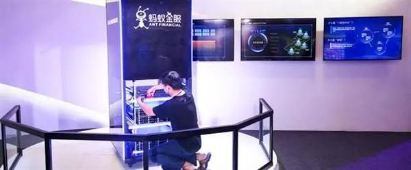 《流浪地球》里杭州没了 支付宝花呗还要还吗?