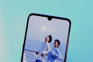 手机QQ新功能曝光:聊天看视频太爽了